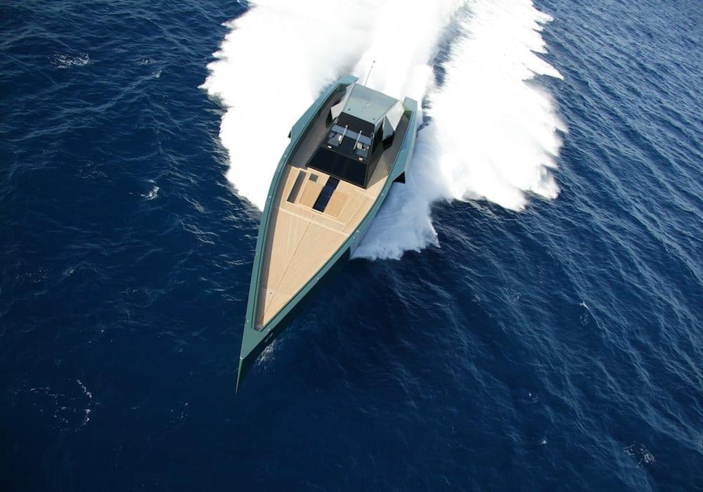 118 Wallypower ultra-contemporary speedboat