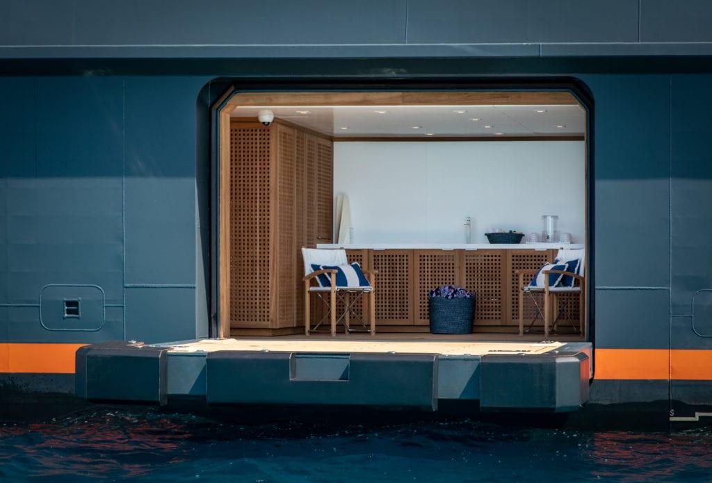 Hodor yacht guest entrance