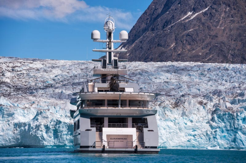 Cloudbreak Yacht stern