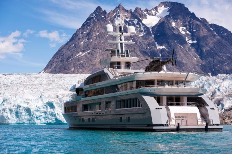 Cloudbreak yacht exterior