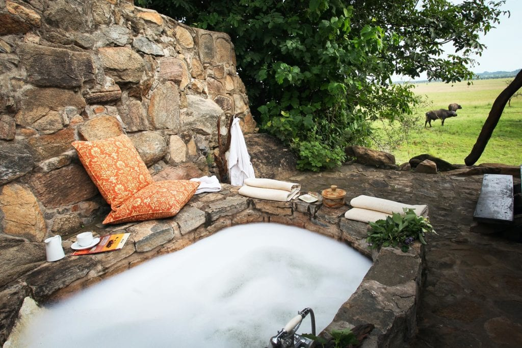 Apoka Outdoor Bath