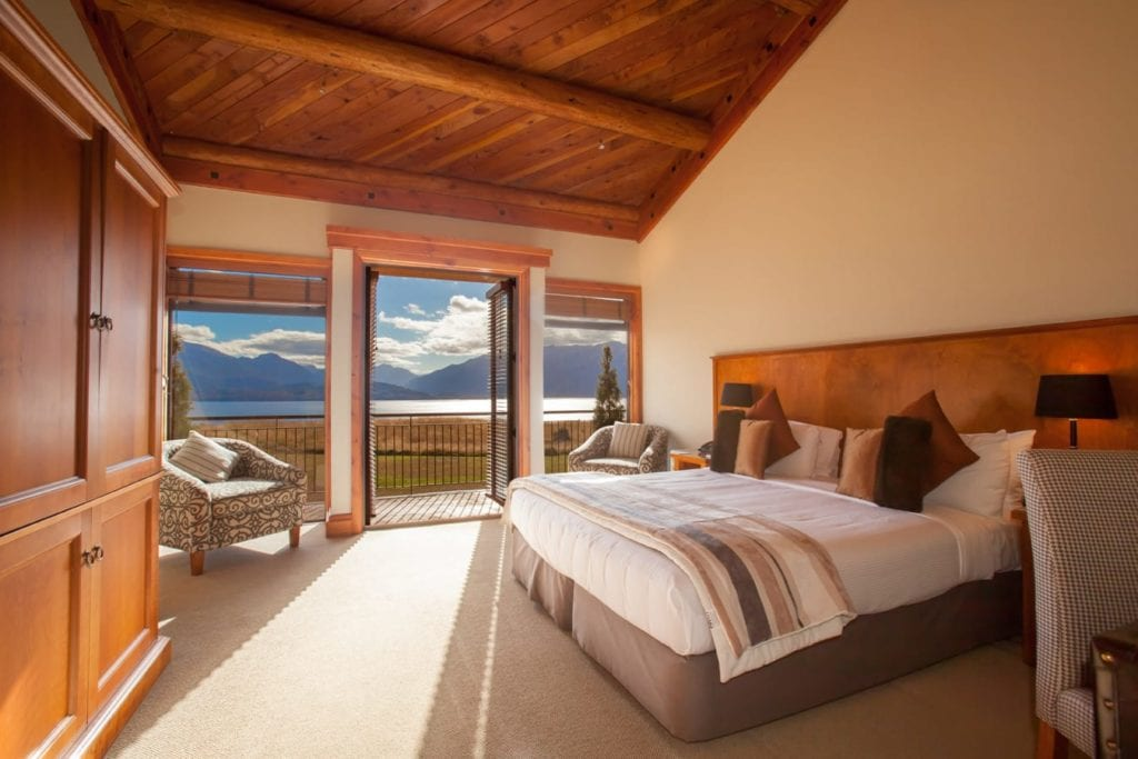 Deluxe Room and View at Fiordland Lodge New Zealand