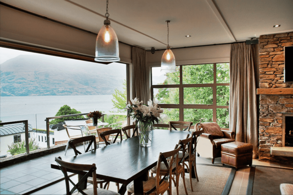 Dining Area at Eichardt's private hotel New Zealand