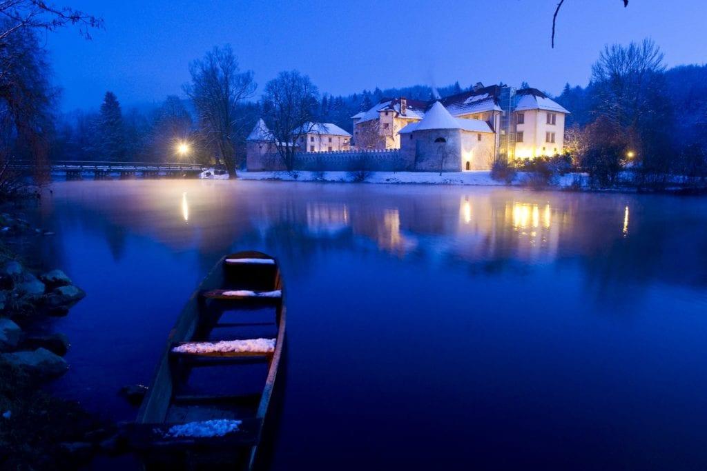 Exterior Hotel Grad Otocec at Night Slovenia
