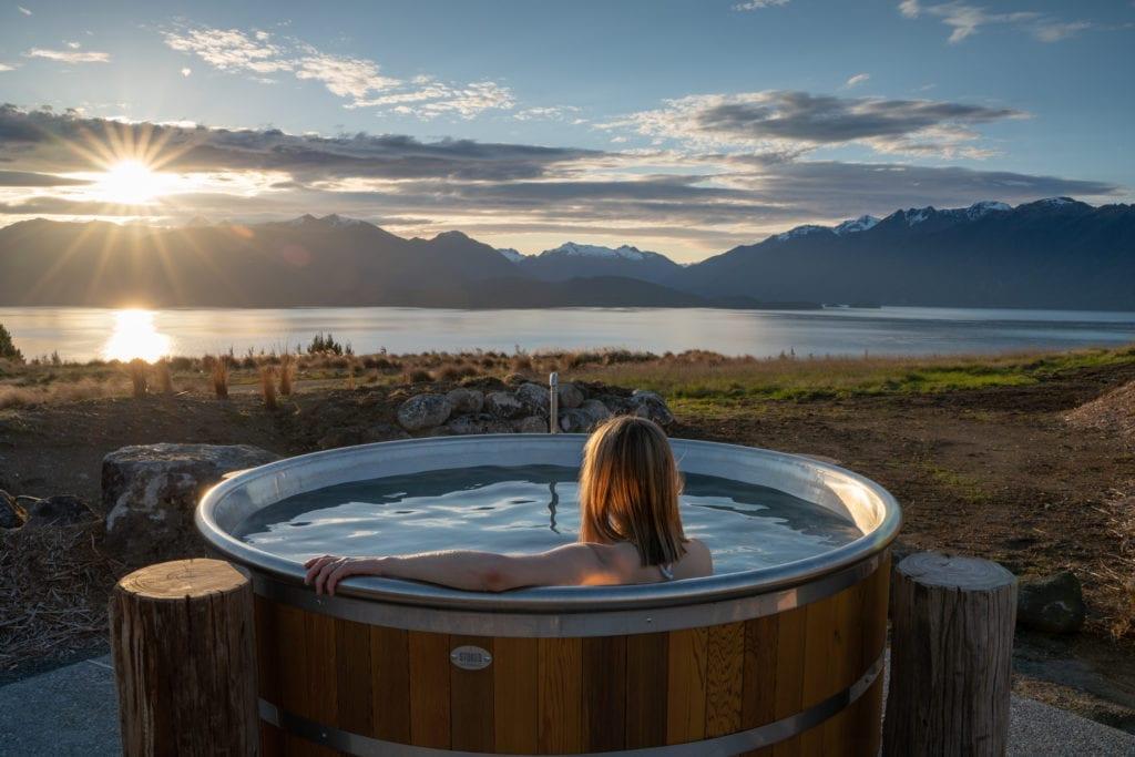 Jacuzzi Fiordland Lodge New Zealand