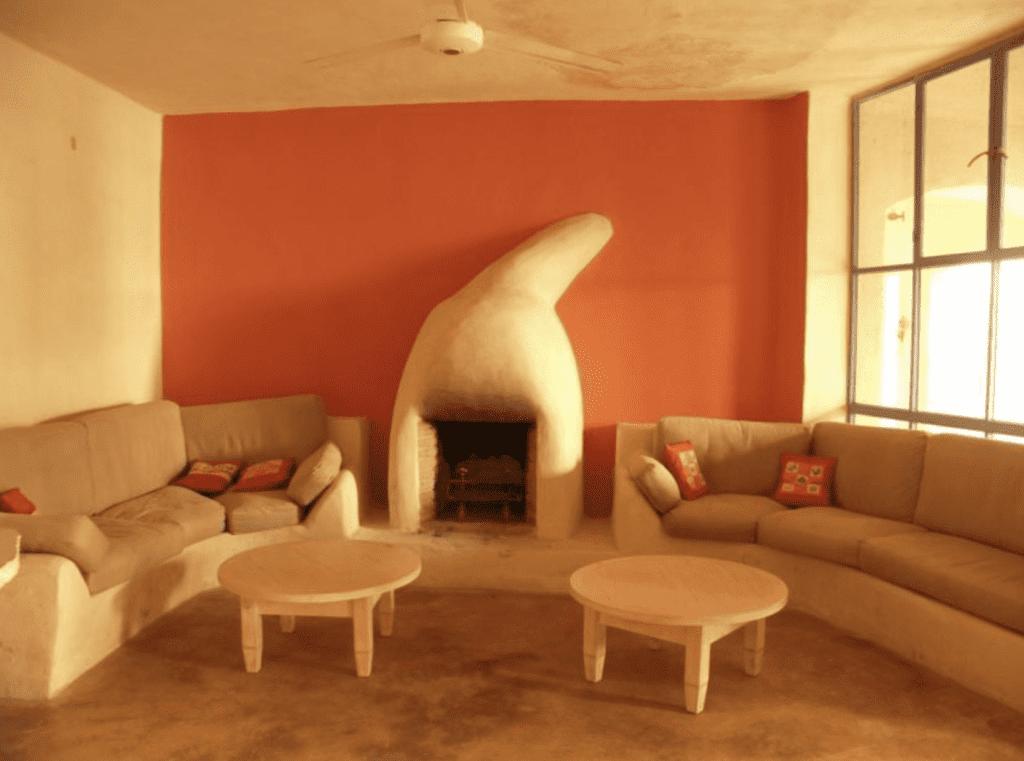 Jordan Fenyan Lounge