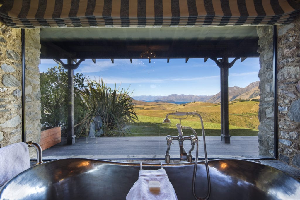 Mahu Whenua Master Bath View New Zealand Mountains