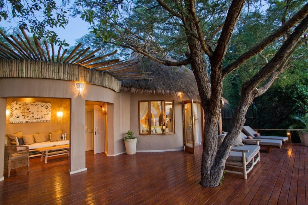 River Cottages Togabezi Lodge