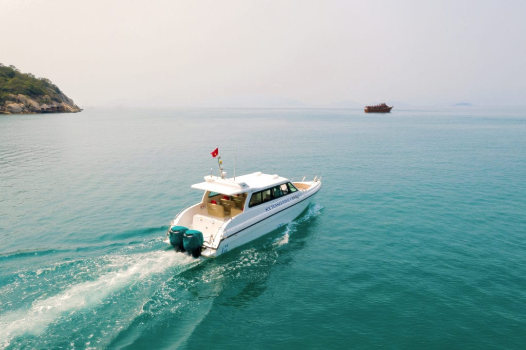 Speedboat Six Senses Ninh Van Bay Vietnam