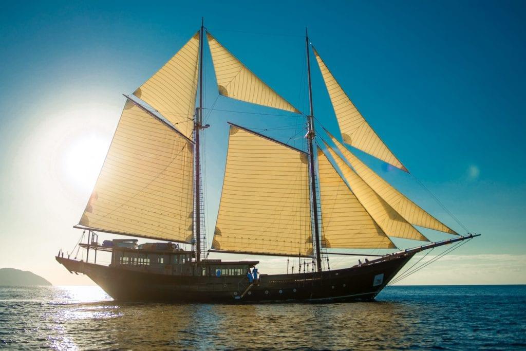 amandira yacht sailing indonesia