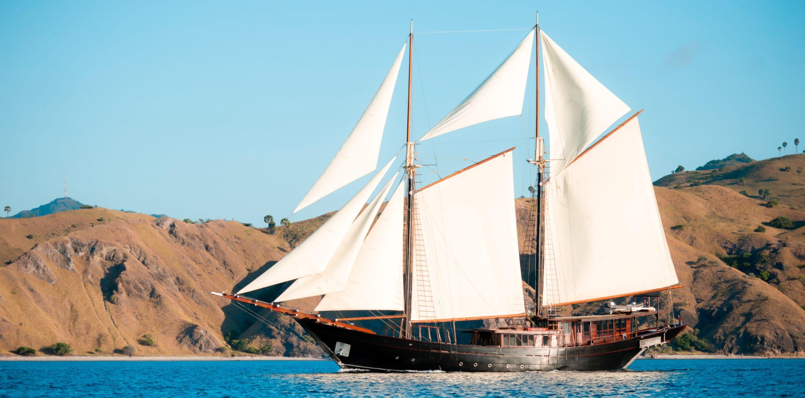 amandira yacht exterior hero