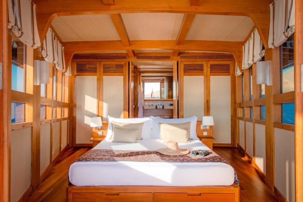 amandira yacht interior cabin
