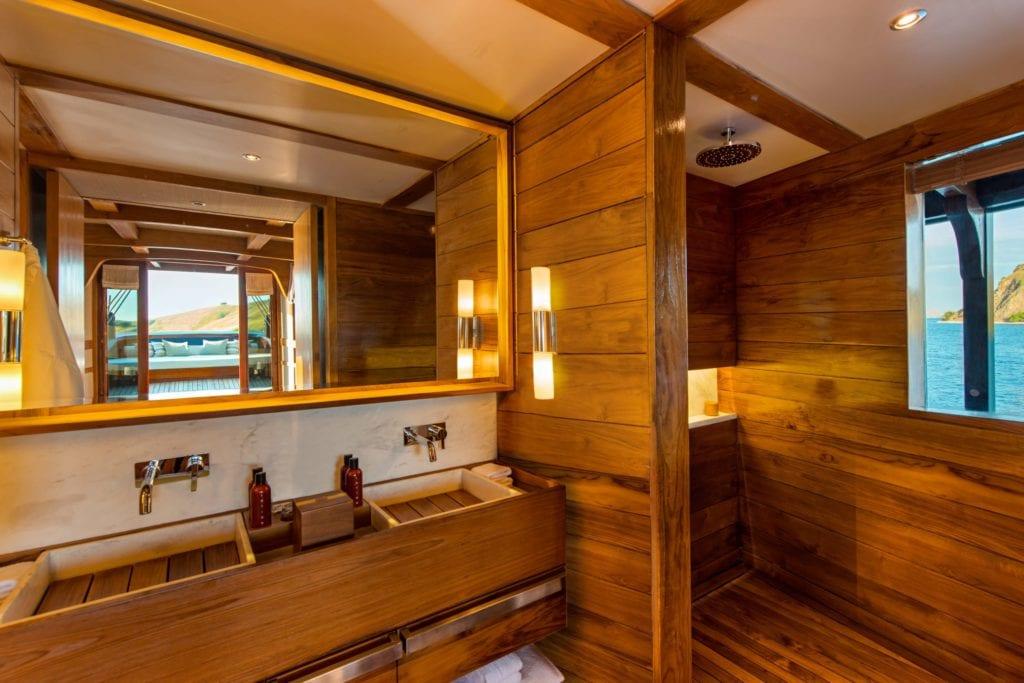 amandira yacht interior