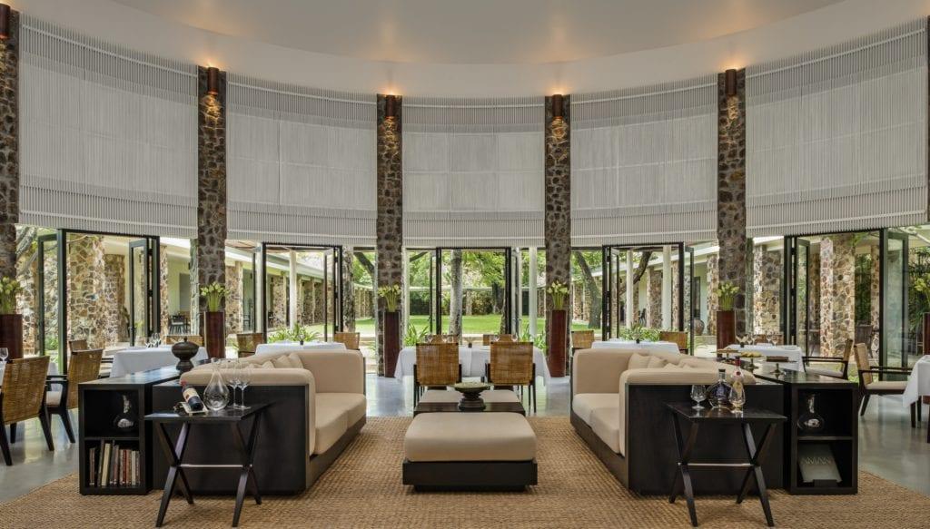 amansara angkor dining room and lounge