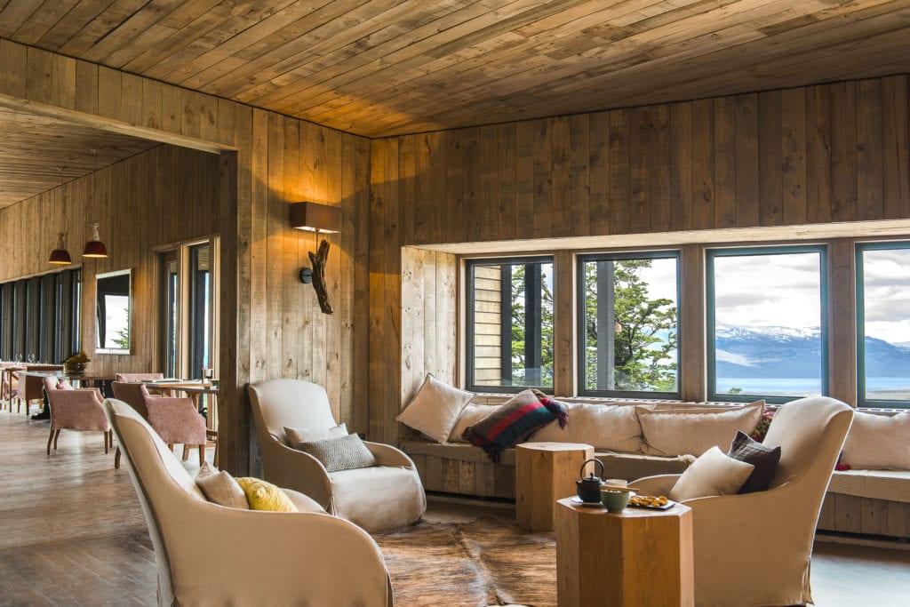 lounge interior awasi patagonia