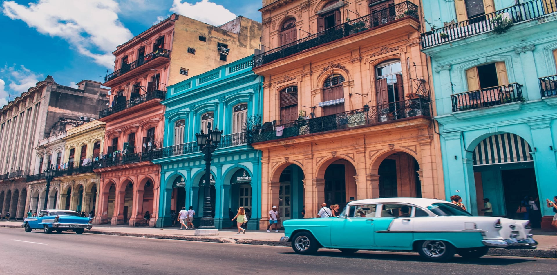 HERO Colourful streets of Cuba