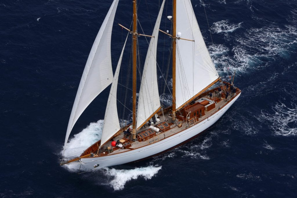 Eros yacht sailing