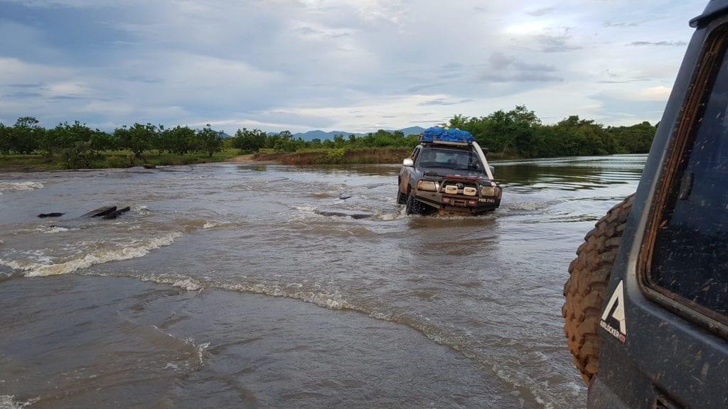 Guyana four wheel drive through river