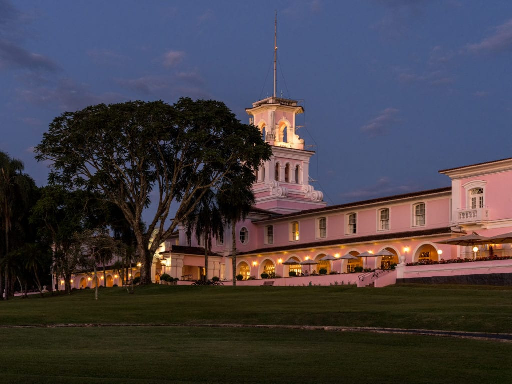 hotel das cataratas evening exterior