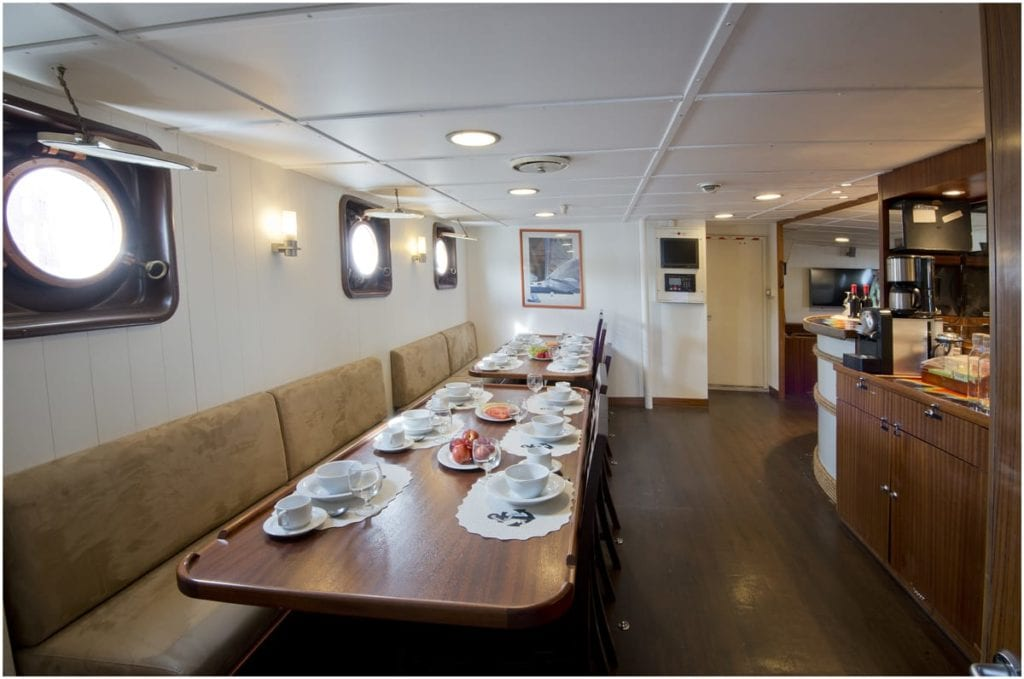 kinfish yacht interior