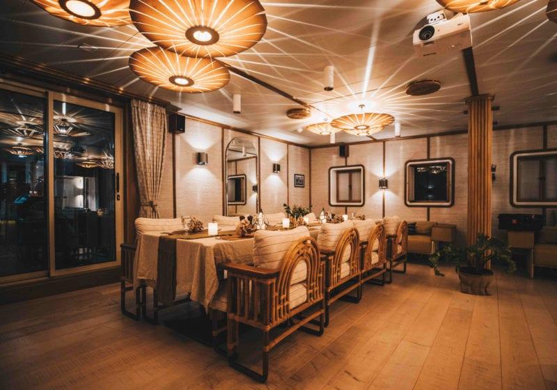 kudanil explorer yacht interior main deck dining room