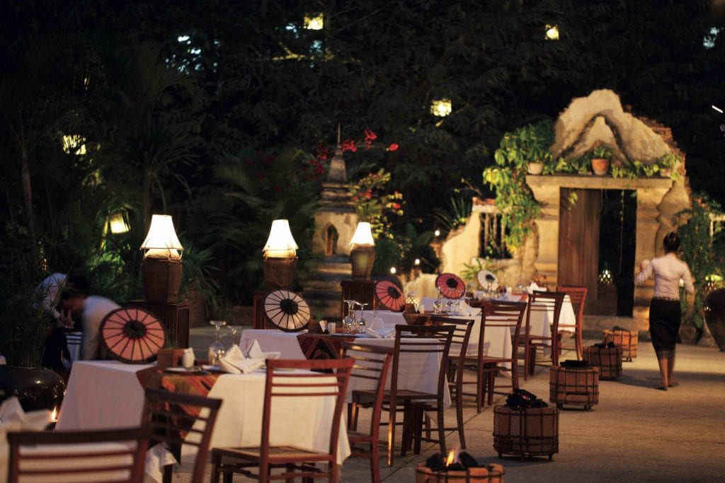 night time restaurant la residence phou vao