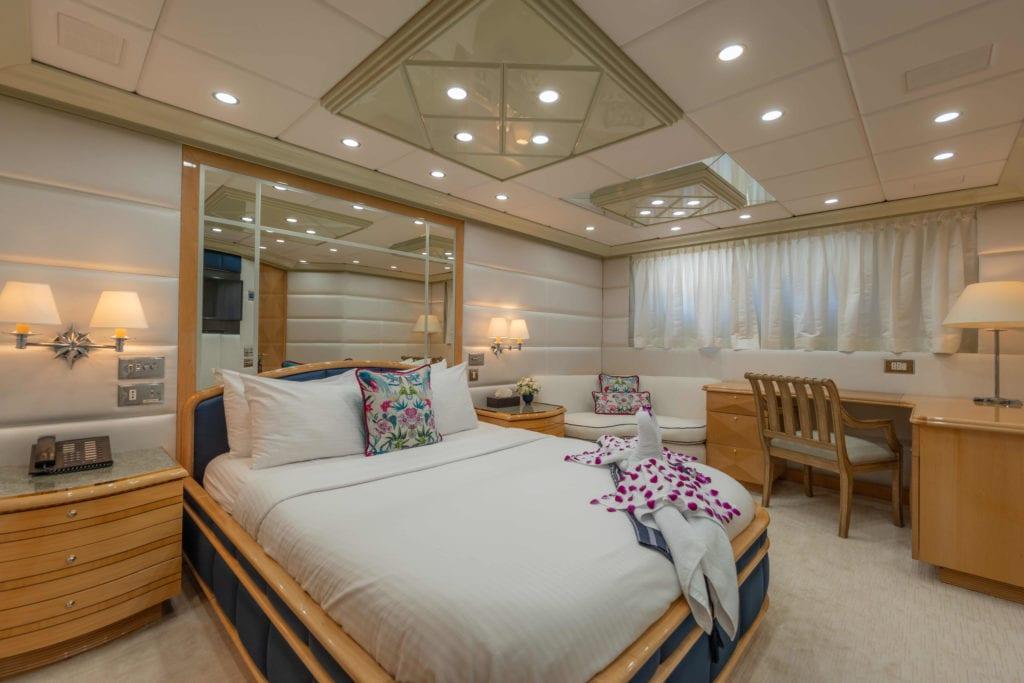 Lady Azul Yacht Guest Suite