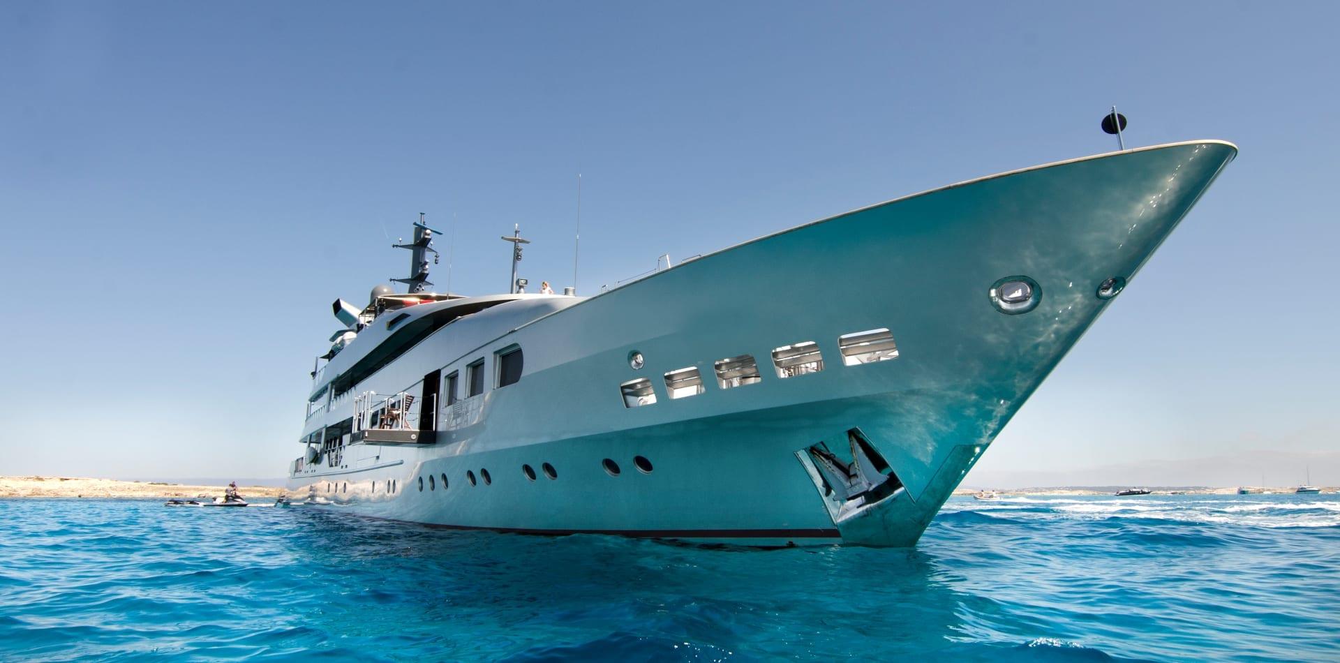 magna grecia motor yacht exterior