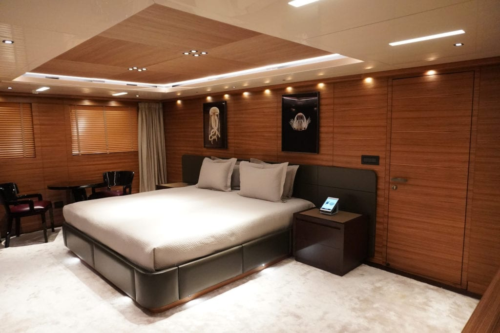 Guest Suite on Magna Grecia Yacht