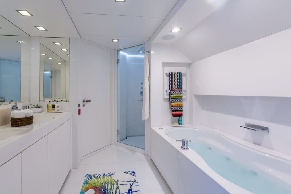 Master Ensuite on Ocean's Seven Yacht