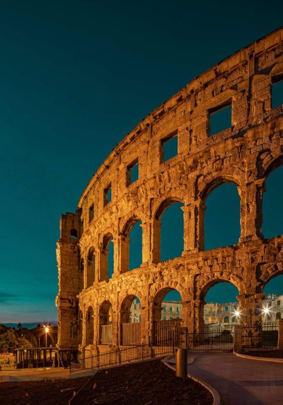 pula croatia roman ruins pelorus