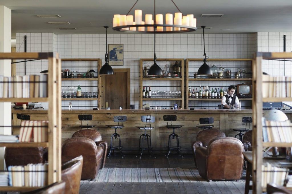 Rooms Hotel Kazbegi bar