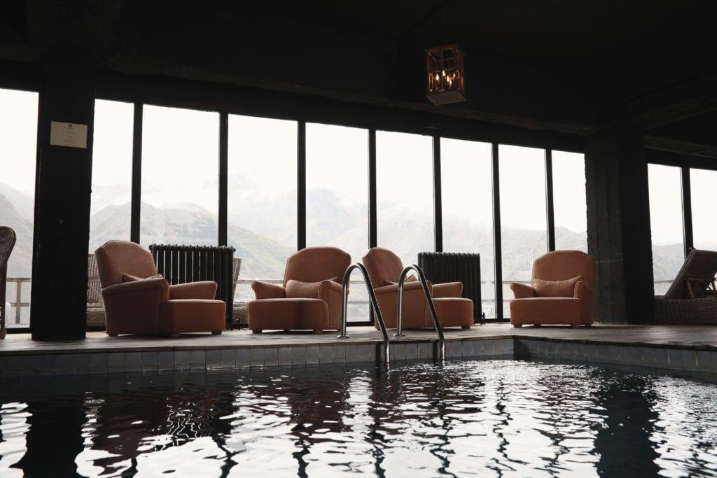 Rooms Hotel Kazbegi indoor swimming pool