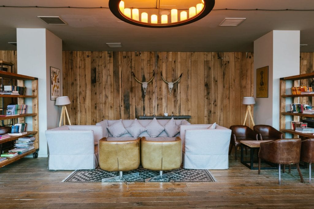 Rooms Hotel Kazbegi interior of lounge