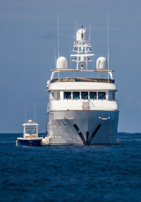siletnworld yacht boot reef julia Sumerling