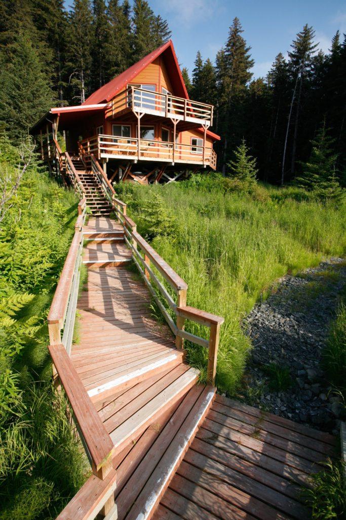 Alaska Tutka Bay Lodge Oyster Catcher Cabin