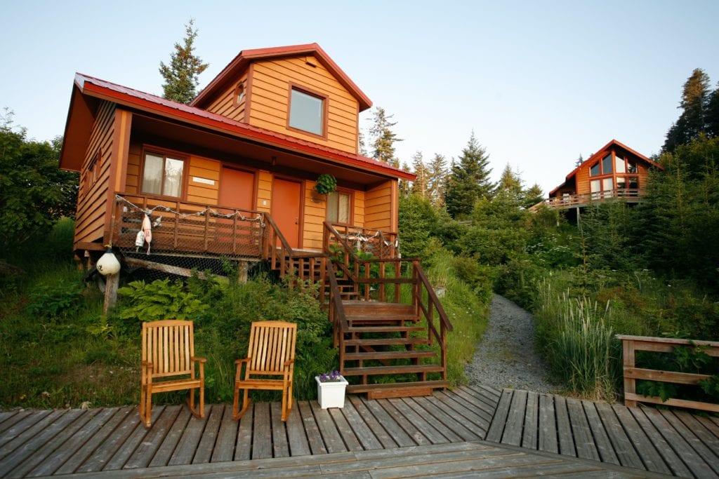 Alaska Tutka Bay Lodge Stellers Jay Cabin