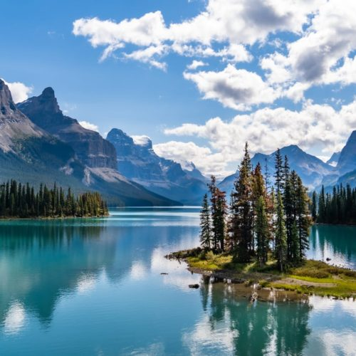 Lakes and mountains in Canada