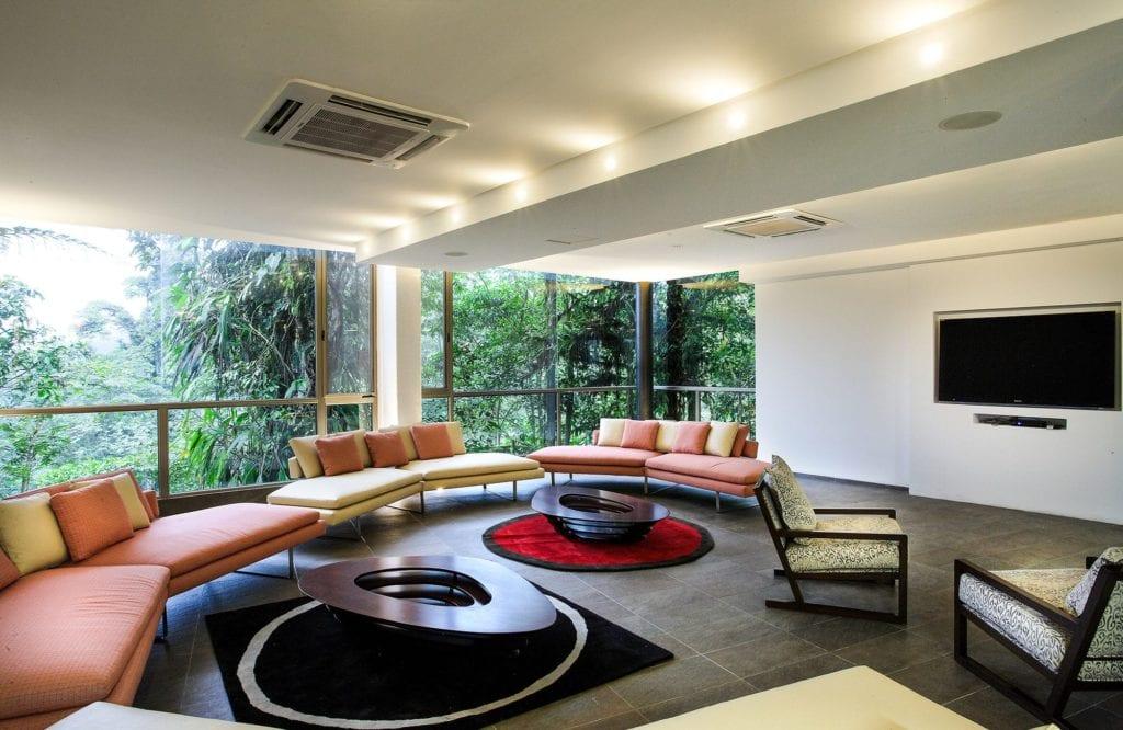Ecuador Mashpi Lodge Lounge