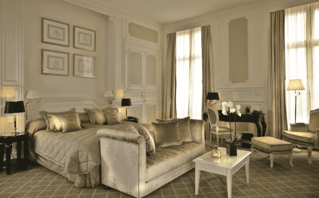 France Mont Royal Bedroom