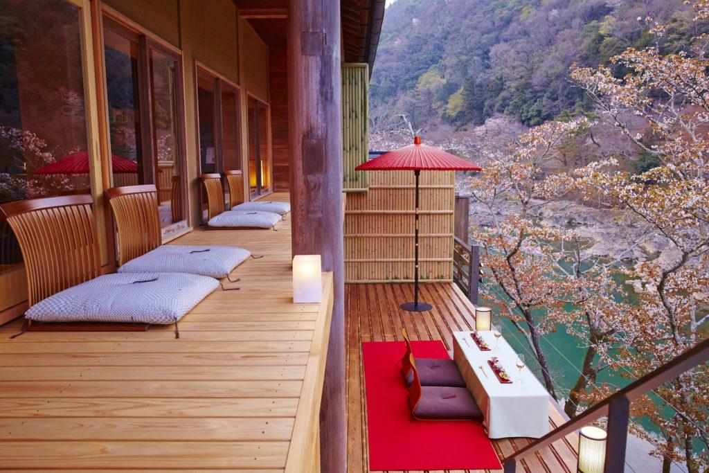 Hoshinoya Kyoto Floating Tearoom