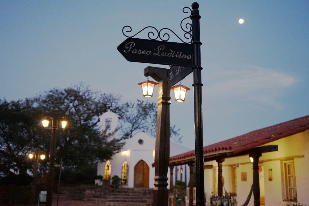 The Moon Over El Pueblito Boutique Hotel Bolivia