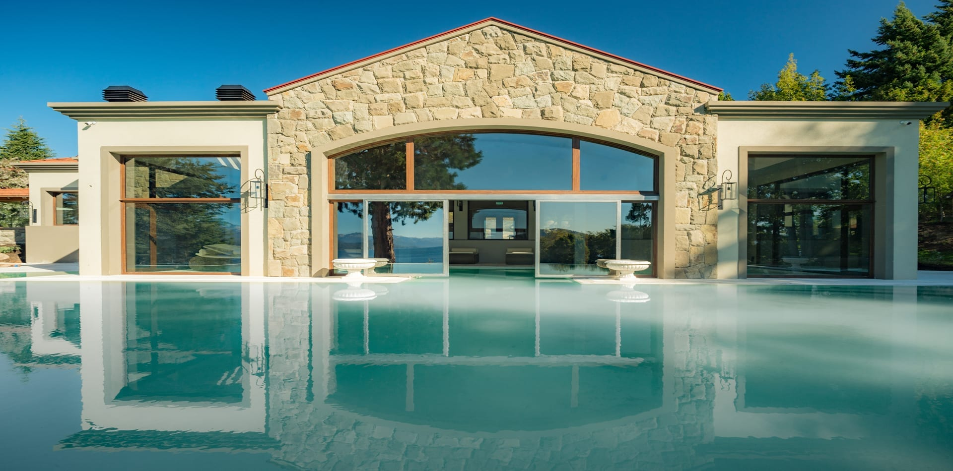 HERO Argentina Villa Beluno Pool Exterior