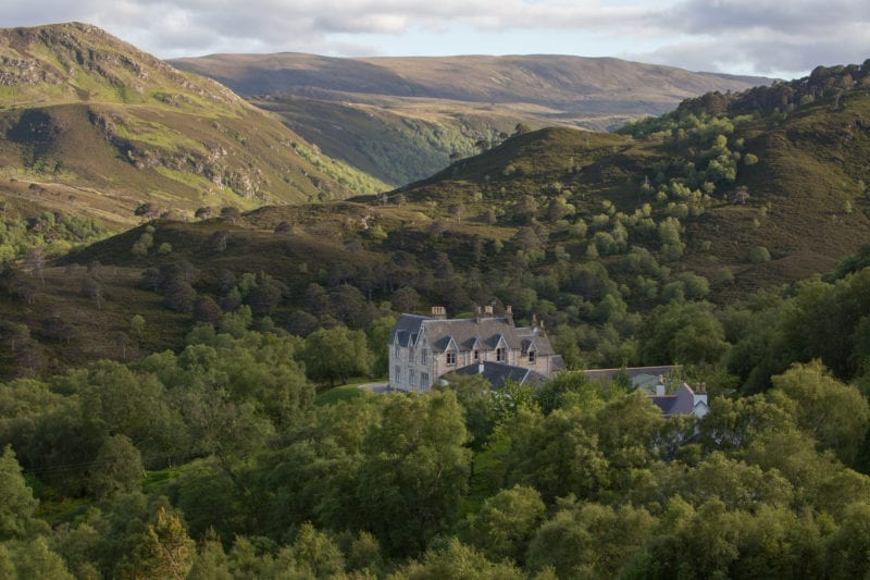 This grand lodge is nestled away deep in Scotland's wilderness