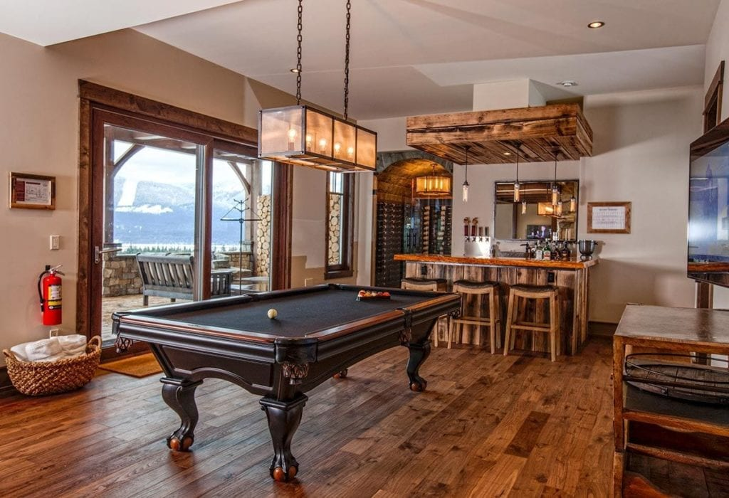 Canada Bison Lodge Pool Table