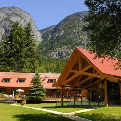 Canada Tweedsmuir Park Lodge Exterior