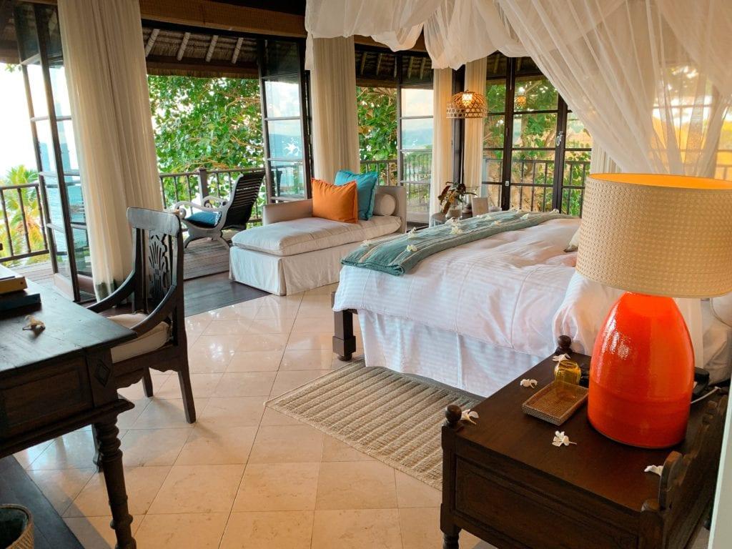 private villa bedroom fregate island