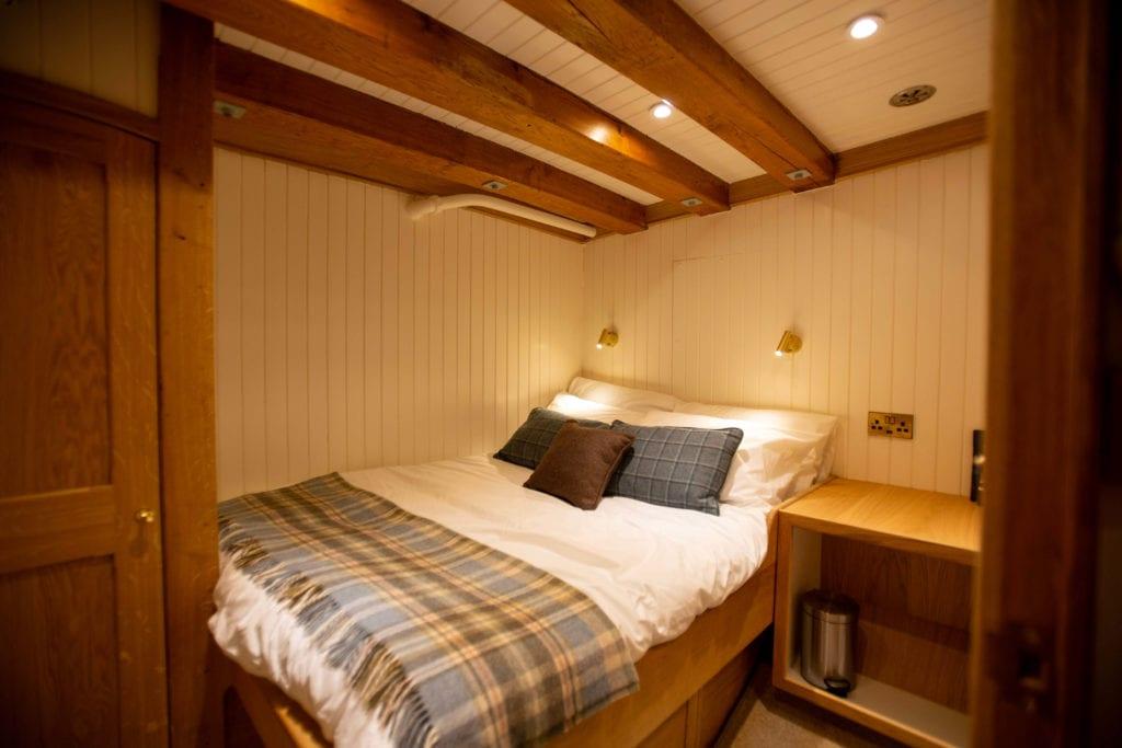 hms gassten yacht Norway guest cabin