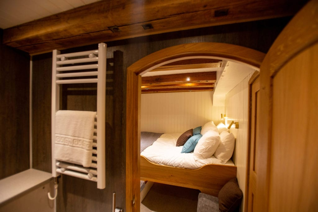 hms gassten yacht cabin