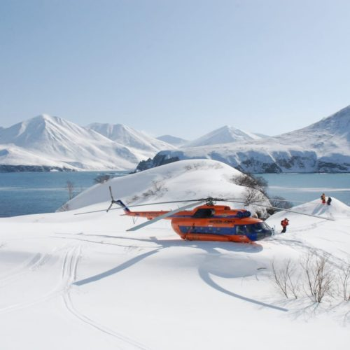 Heli skiing in Kamchatka volcanos and lakes